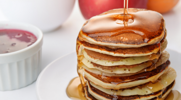 Stack 'em and rack 'em: Flapjacks with fresh syrup can't be beat. (Photo: Anton Starikov / Alamy